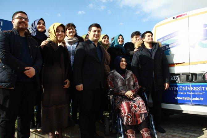 Engelli arkadaşlarına köfte-ekmek satarak servis aracı aldılar