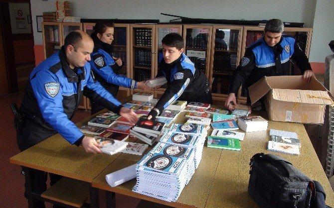 Yozgat Emniyeti Okullara 2 Bin Kitap Dağıttı