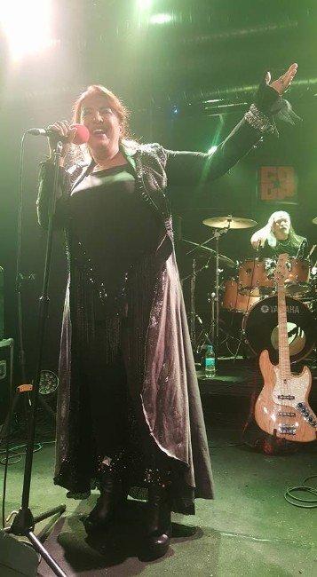 Seyyal Taner, Rock Klasiklerini Seslendirecek