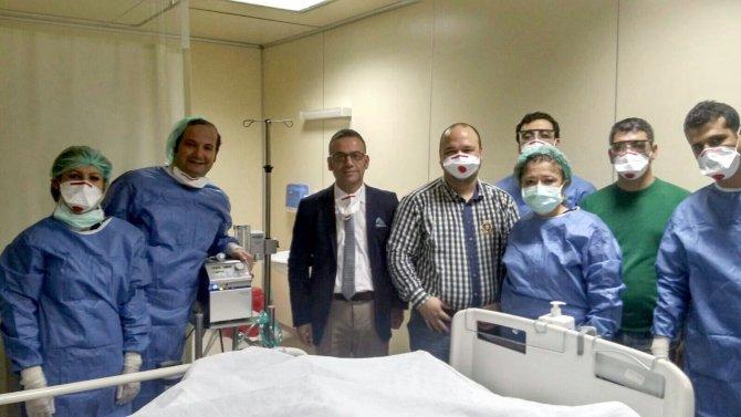 Domuz gribi olan hasta 'yapay akciğer uygulaması' ile hayata tutundu