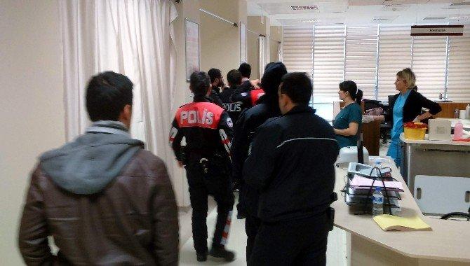 Ambulans Görevlileri İle Hasta Yakınları Arasında Kavga