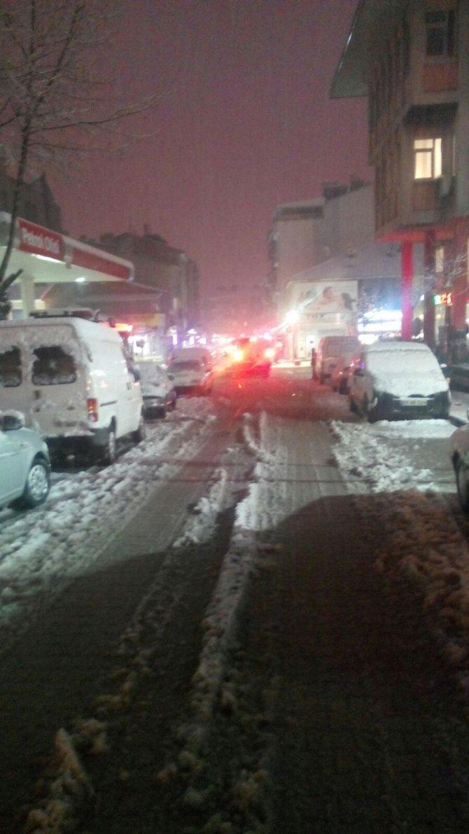 Emirdağ'a düşen yılın ilk karı sevindirdi