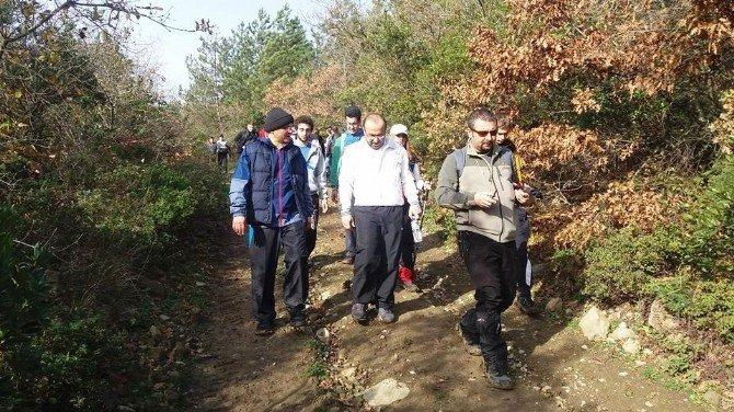 Altınova'da Dağ Yürüyüşü Keyfi