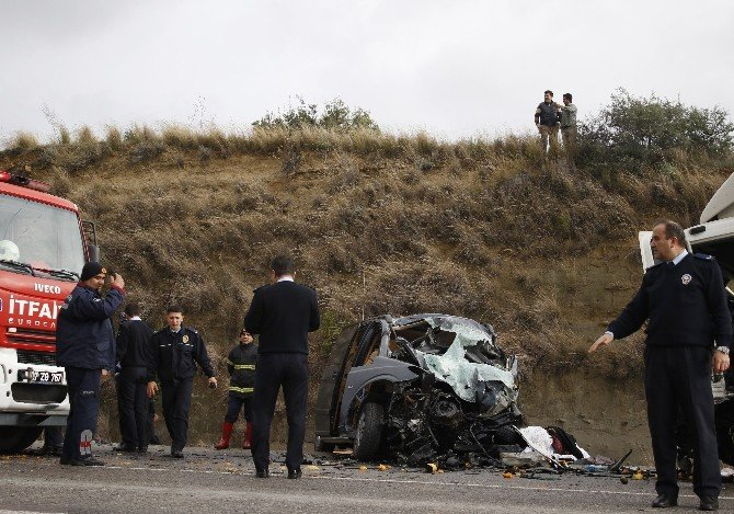 Antalya'da Trafik Kazası: 3 Ölü, 2 Yaralı