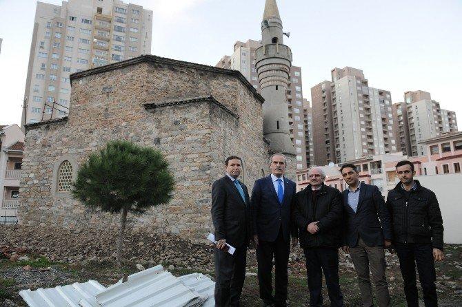 Gökdelenlerin Gölgesindeki 600 Yıllık Cami Ayağa Kaldırılıyor