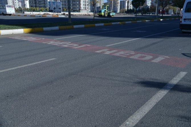 Diyarbakır'da Kürtçe trafik levhası dönemi