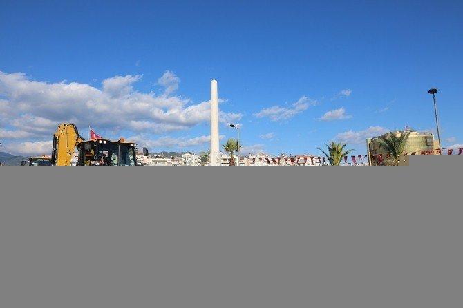 Efeler Belediyesi Yeni İş Makinelerini Görücüye Çıkardı