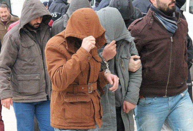 Elazığ'daki Terör Operasyonunda Gözaltına Alınan 14 Şüpheli Adliyeye Sevk Edildi