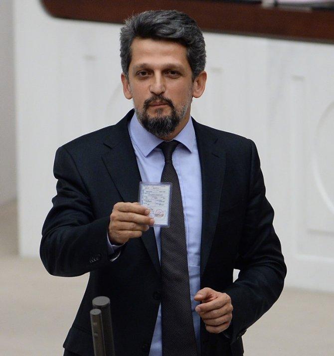 HDP'li Paylan: Kimlik kartlarında din haneleri kalmasın