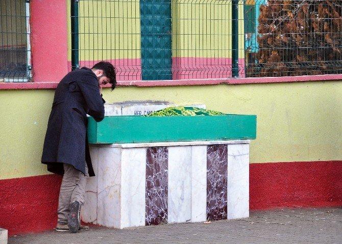 Yaşarken Yaptırdığı Mezara 4 Yıl Sonra Defnedildi
