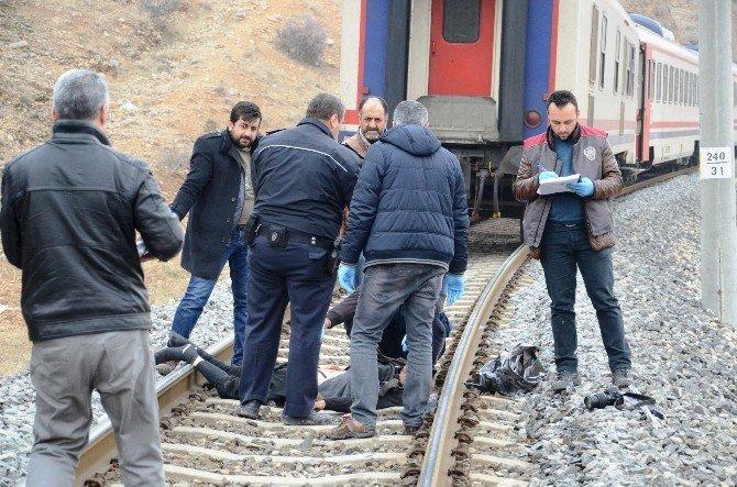 Trenin Altında Kalan Adam Öldü