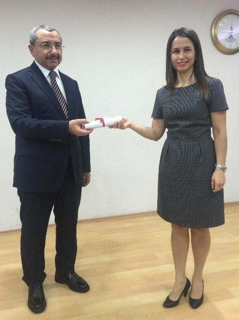 Başkan Erdem, Girişimcilere Sertifikalarını Verdi