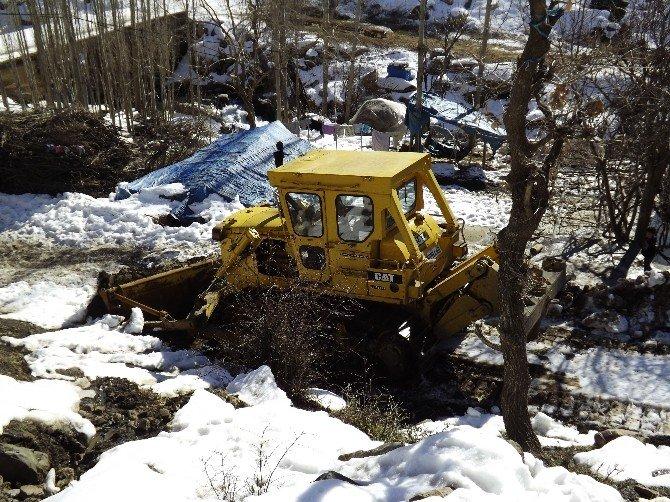 Beytüşşebap'ta Kapalı Köy Yolları Açılıyor