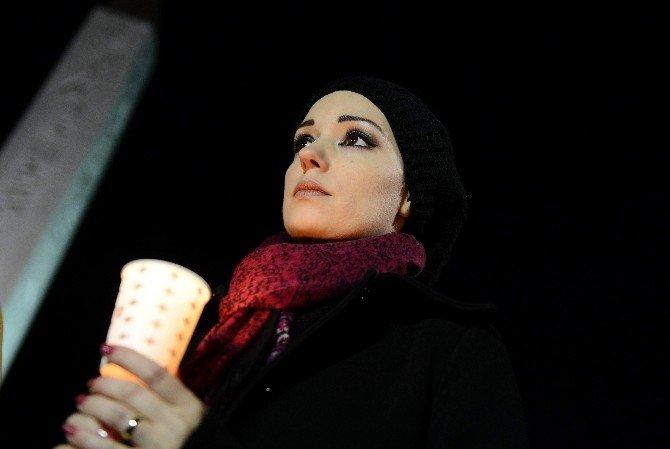 Suriyeli Grup Patlamanın Yaşandığı Yerde Saygı Duruşunda Bulundu