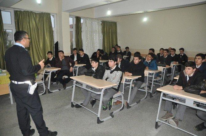 Trafik Dedektifleri Projesi Öğrencilere Anlatıldı