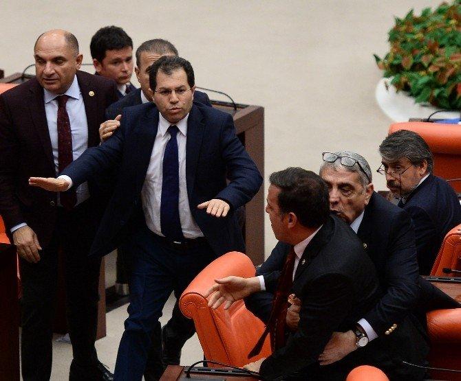 Milletvekilleri Önce Kavga Etti, Sonra Özür Diledi
