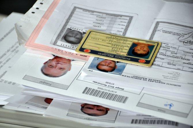 Trafik şubelerinde yeni sürücü belgesi yoğunluğu
