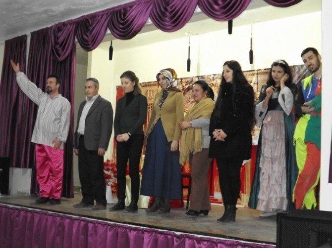 Yenipazar'da Çocuk Tiyatrosu