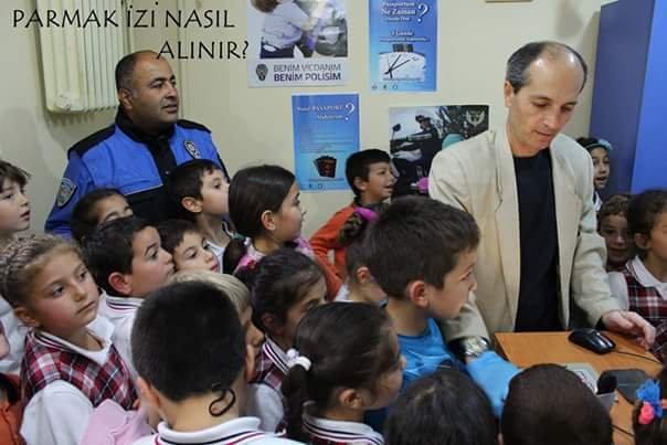 İlkokul öğrencilerine polis teşkilatı yerinde tanıtıldı