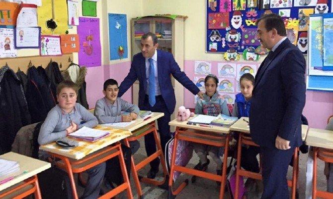 Kaymakam Sonel'den Okul Ziyaretleri