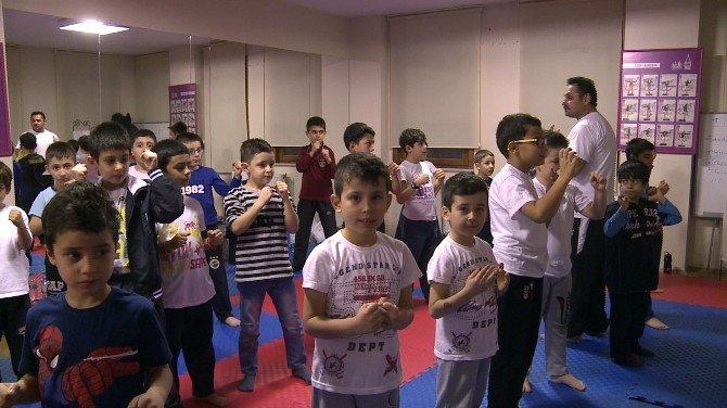 Beyoğlu'nda Savunma Sporlarına Yoğun İlgi