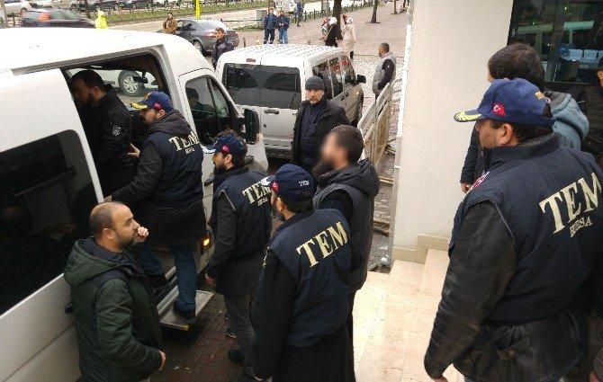 Bursa'da 12 IŞİD Şüphelisi Adliyeye Sevk Edildi