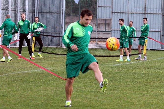 Batalla, takımla ilk antrenmanına çıktı