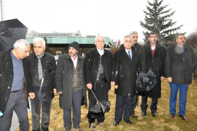 Belediye meclis üyeleri çimento fabrikasının şehir dışına kaldırılmasını istedi