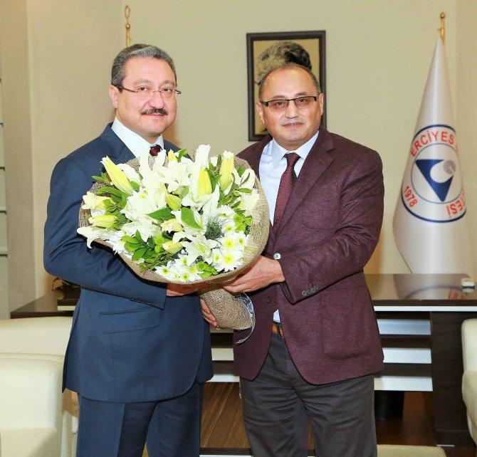 Erciyes Üniversitesi'nde yeni rektör görevi devraldı