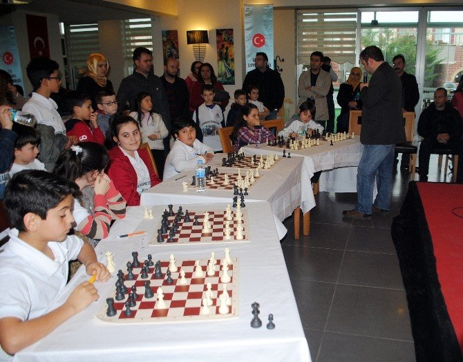 Grand Master'dan Satranç Şov