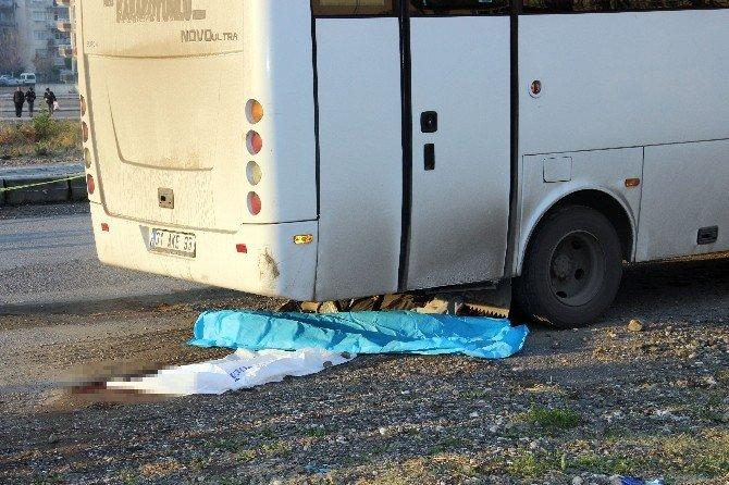 Geri Manevra Yapan Otobüsün Altında Kalan Yaşlı Adam Hayatını Kaybetti