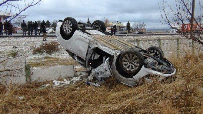 Yardıma Giderken Otomobilin Çarpması Sonucu Öldü