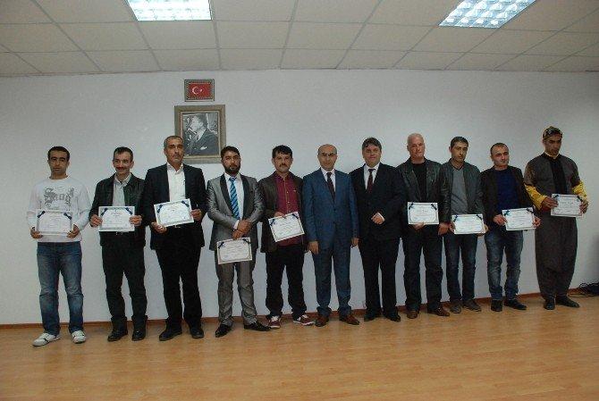 Kader Mahkumlarının Diploma Ve Sertifika Sevinci