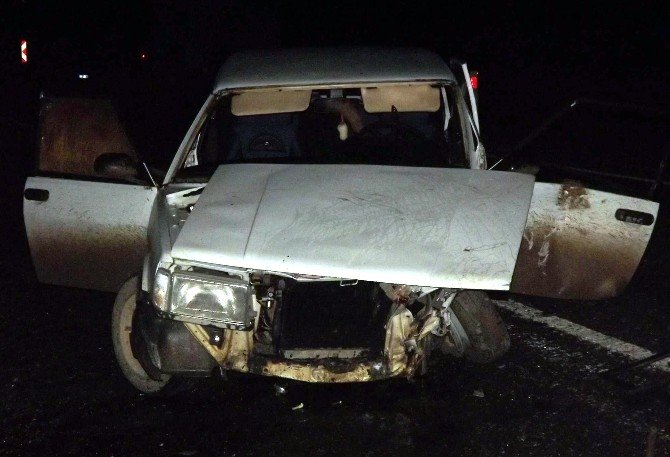 Kastamonu'da İki Otomobil Çarpıştı: 5 Yaralı