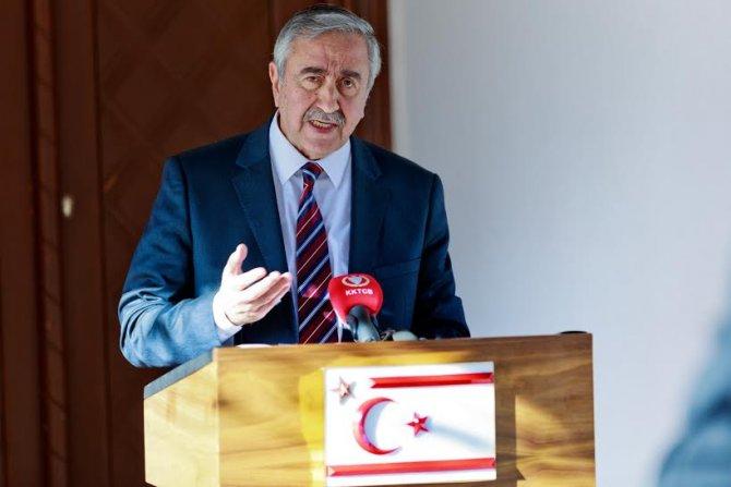 Kıbrıslı liderler Davos'ta BM Genel Sekreteri ile 3'lü görüşme yapacak