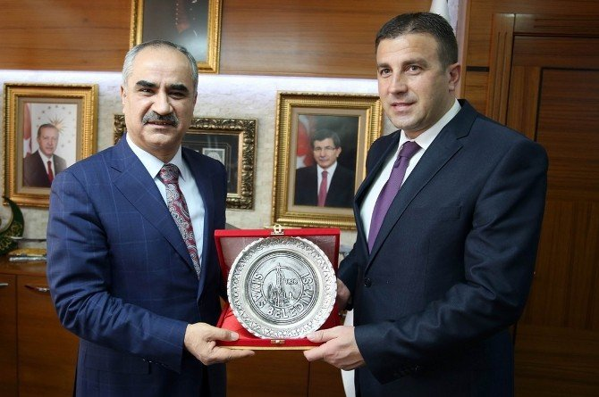 Kosova Devlet Bakanı Demiri'den, Sivas Belediyesi'ne Ziyaret