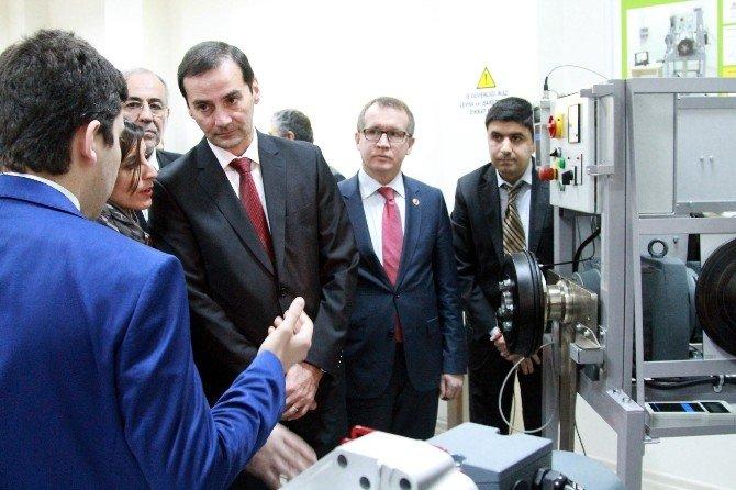 Renault'tan Geleceğin Otomotiv Mühendislerine Laboratuvar
