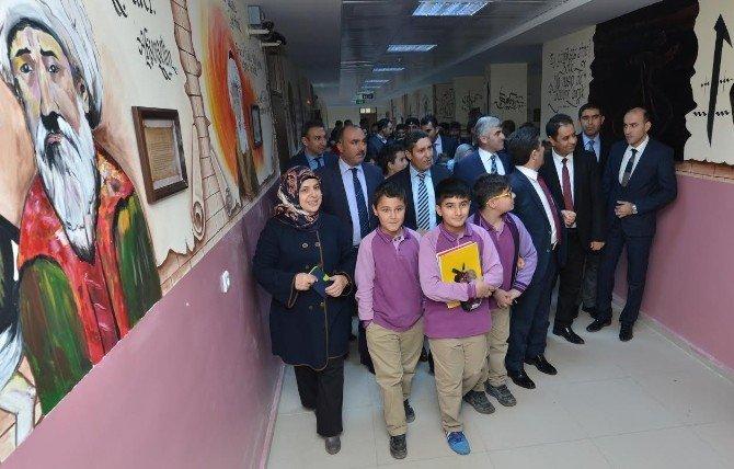 Okul Koridorları Da Artık Eğitimin Bir Parçası Oldu