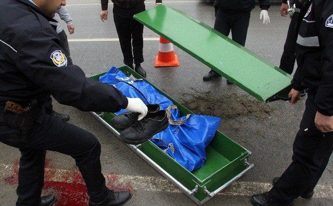 Cenazeye Giden Anne Ve Oğlun Öldüğü Kaza Kamerada