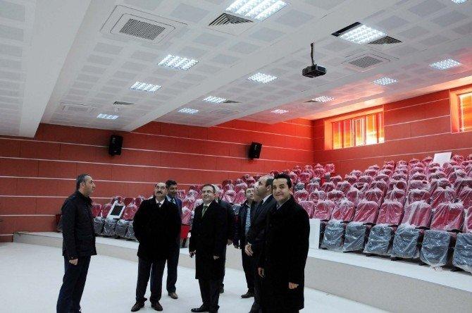 Rektör Şimşek Saray MYO Yeni Binasını İnceledi