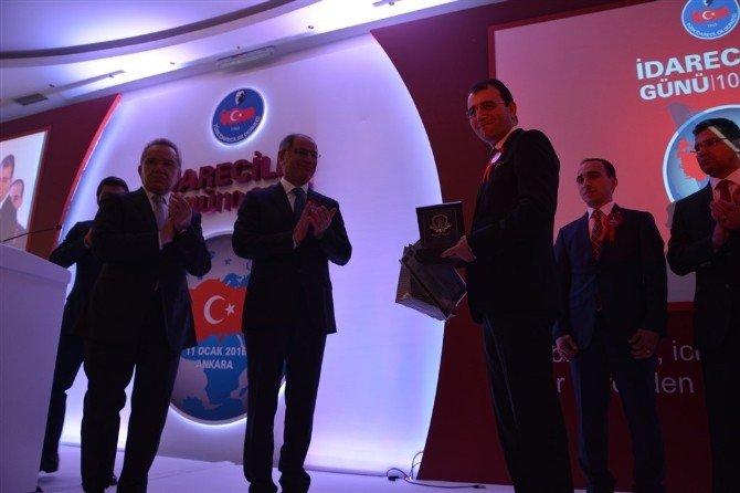 Selim Kaymakamı Dolu, Ödülünü İçişleri Bakanı Efkan Ala'nın Elinden Aldı