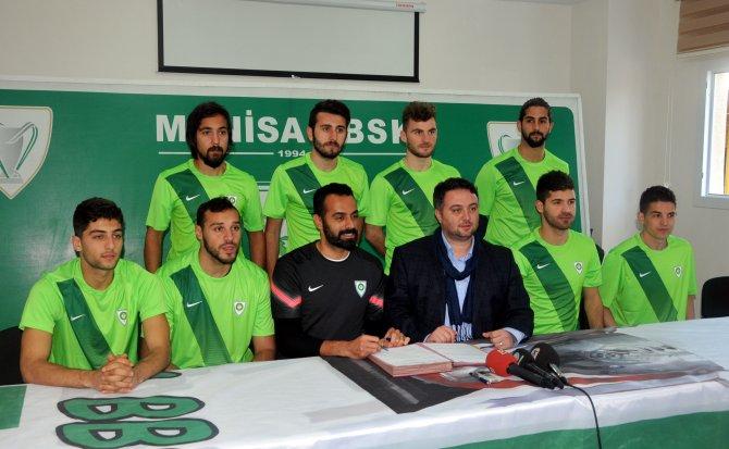 Manisa Büyükşehir Belediyespor, dokuz transferle sözleşme imzaladı
