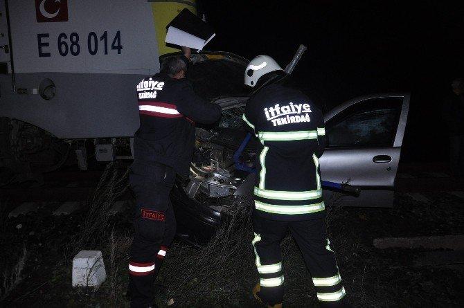 Otomobil Trenin Altında Kaldı: 1 Yaralı