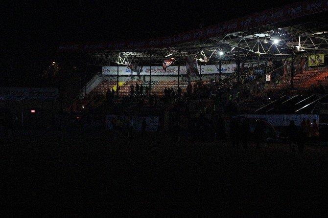 Kupa Maçında Elektrikler Kesildi