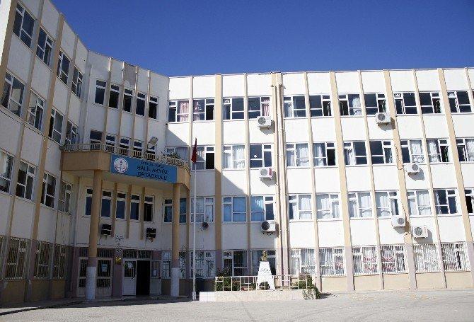 Antalya'da Okul Yangını