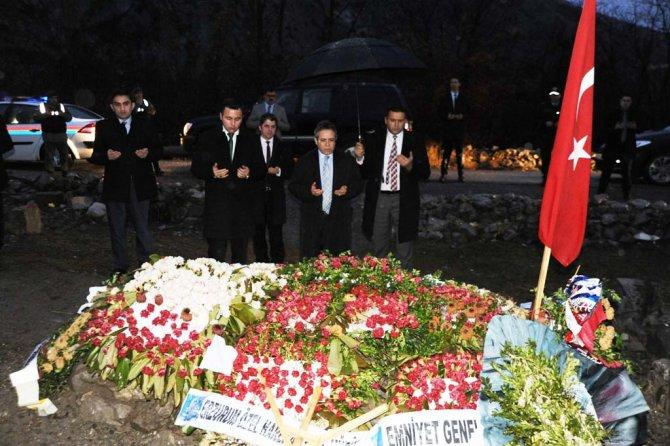 Artvin Valisi Kemal Cirit'ten şehit ailesine taziye