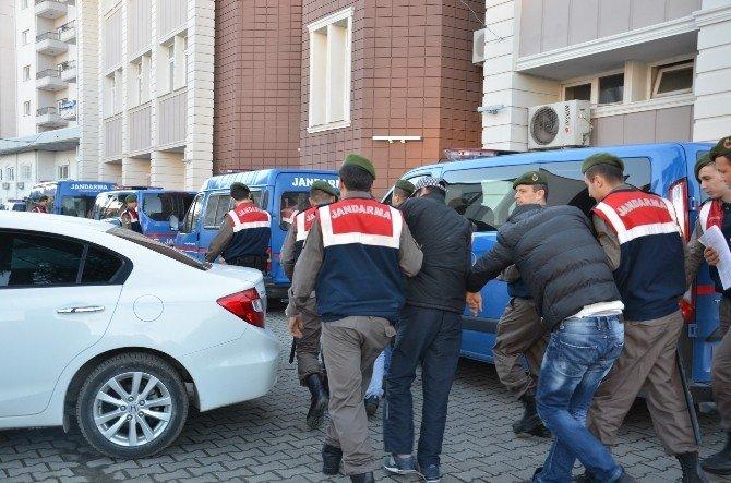 Bafra'da Gözaltına Alınan 17 Kişi Adliyeye Sevk Edildi