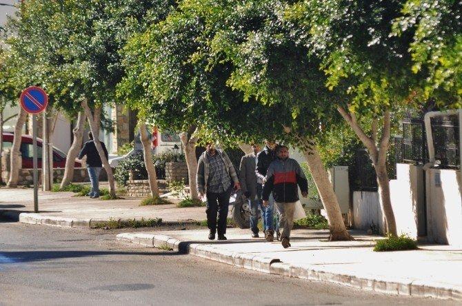 Haberi Duyan Mülteciler Kaldıkları Yerlerden Uzaklaştı