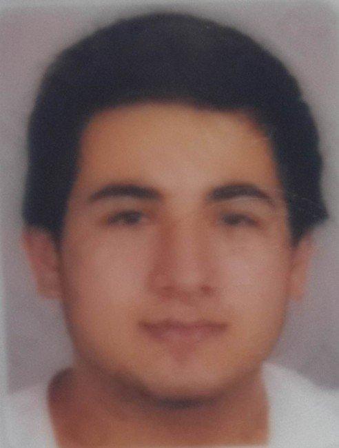 Arkadaşının Bıçakladığı Genç Hayatını Kaybetti