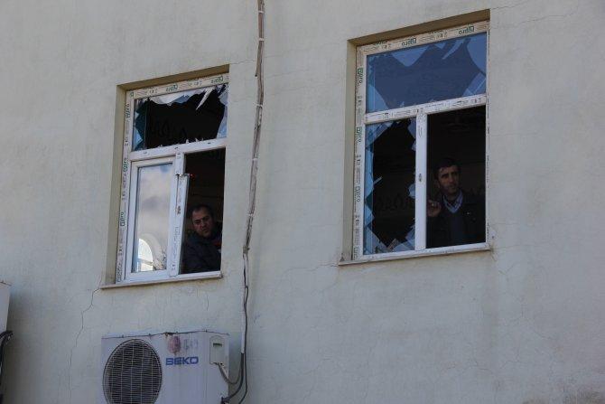 Bakan Tüfenkci, Çınar'daki patlamada iş yerleri zarar gören esnafı ziyaret etti
